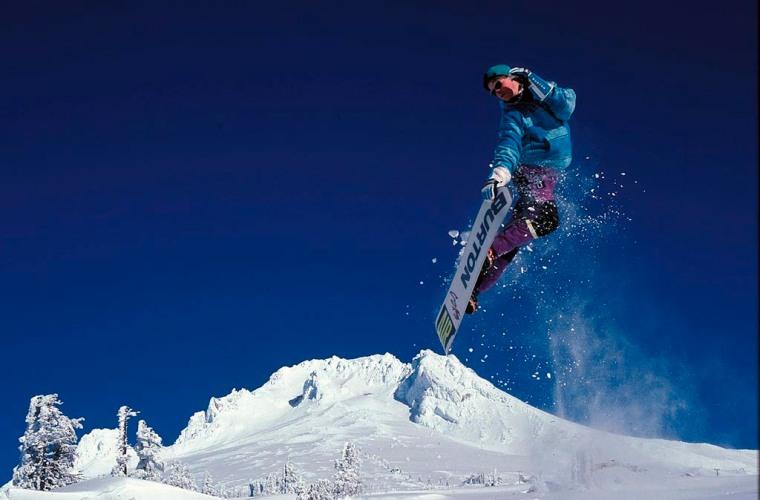 snowboarding-skeeze-pixabay